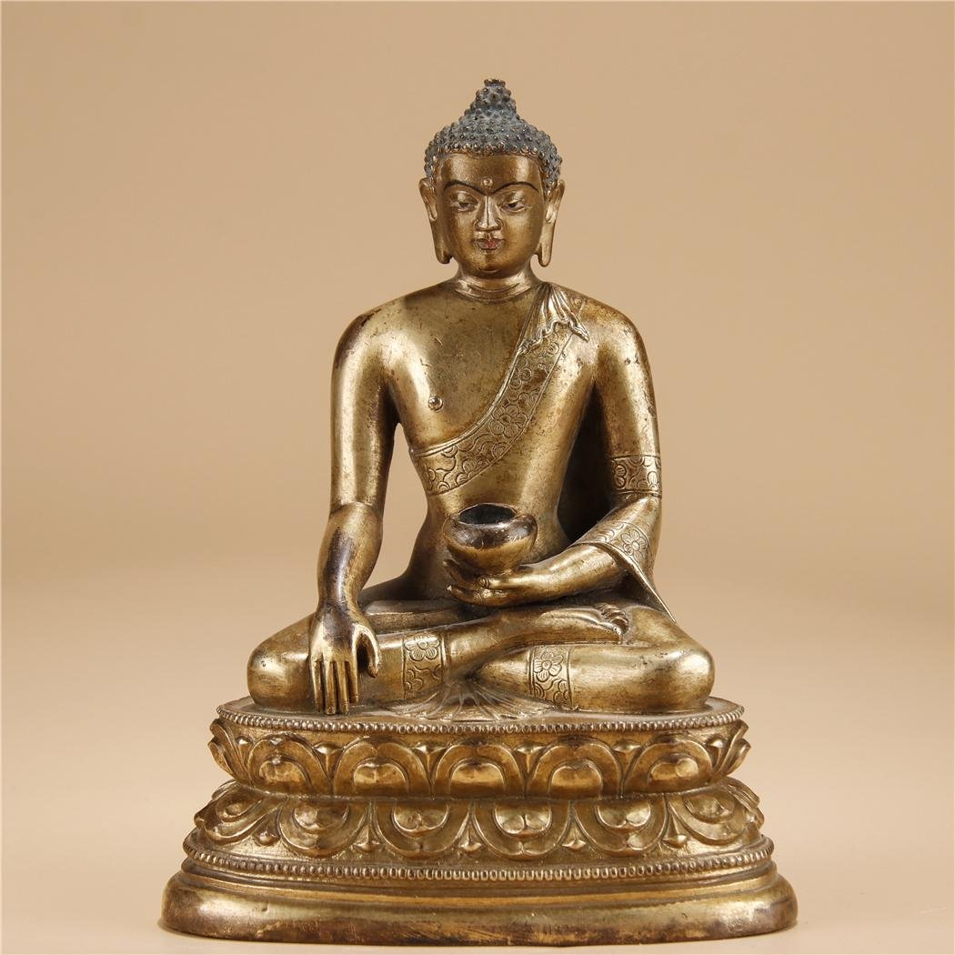 18th Century, Bronze gilded seated statue of Sakyamuni.