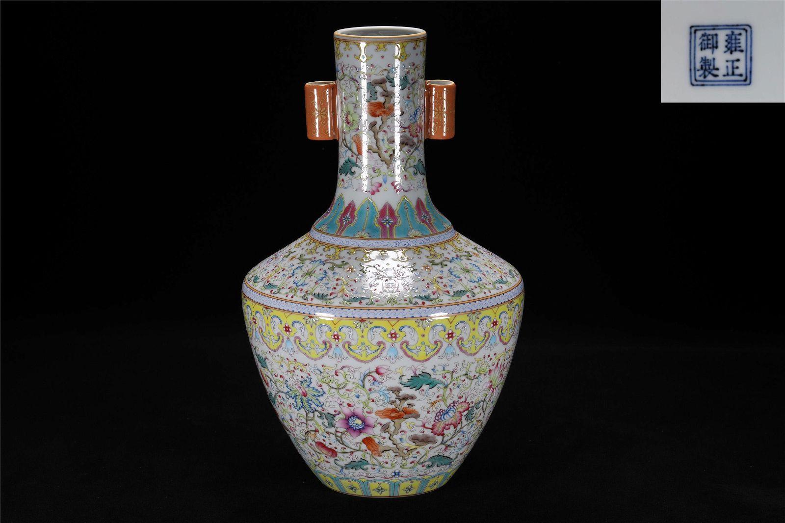 Qing Yongzheng style famille rose porcelain jar