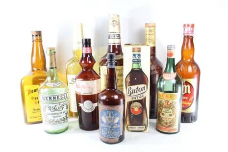 Lot 10 Oversized Store Display Liquor Bottles,2of3