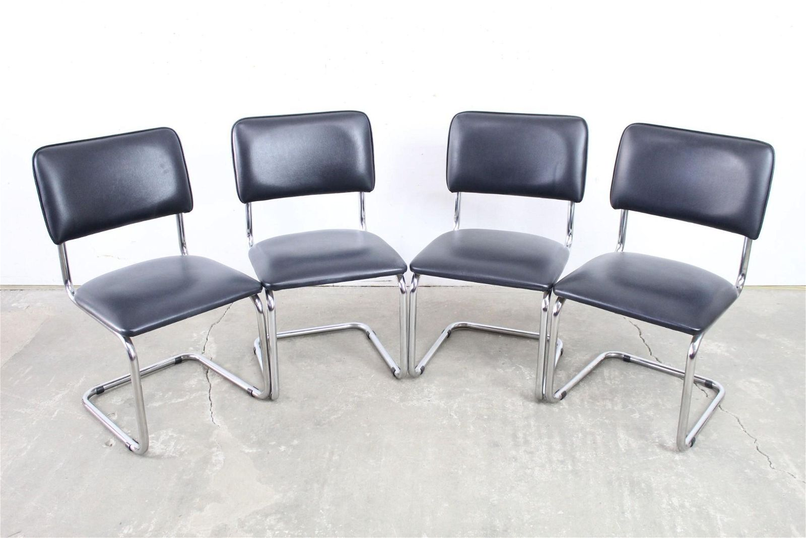 Set of 4 Modern Black & Chrome Cantilever Dining Chairs