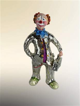 Silver Laminated Statue Clown with a Suitcase