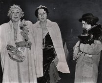 Weegee, Opening at the opera, 1940