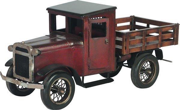 40021: Pick-Up Truck Statue