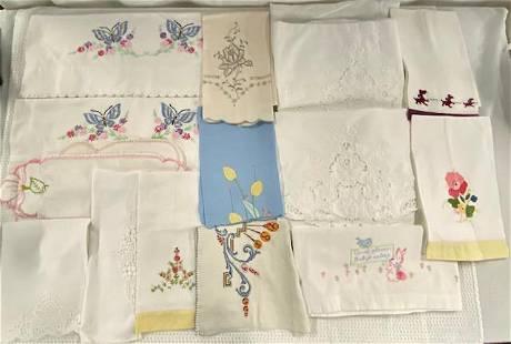 17 Pieces of Vintage Linens