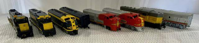 H/O Assorted Trains - 6 Engines, 2 Cars