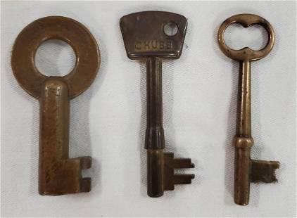 3 Assorted Brass Keys