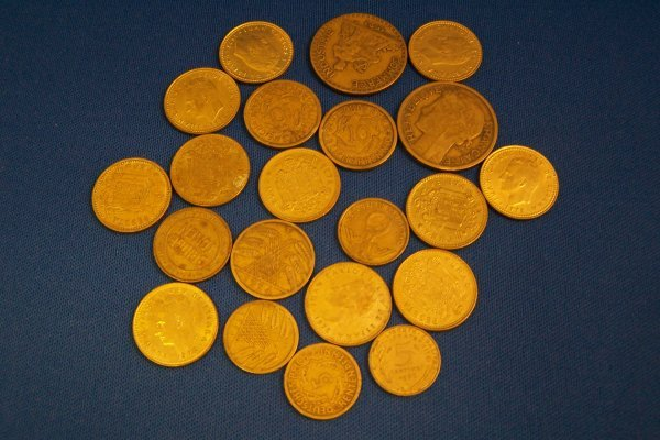 18A: 20 FOREIGN GOLD COLOR COINS
