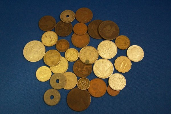 21A: 30 FOREIGN COINS