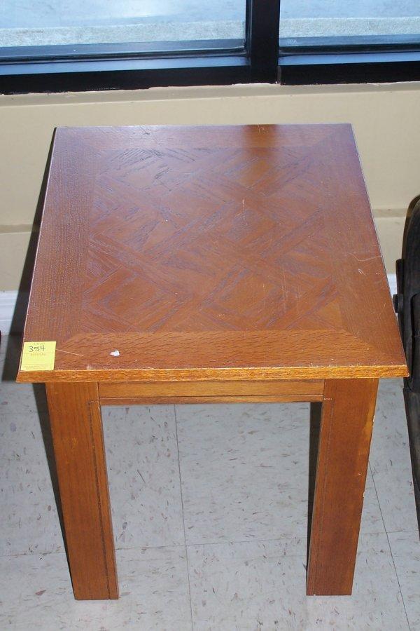 354: OAK SIDE TABLE