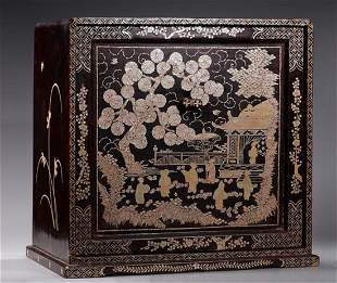 A MOTHER-OF-PEARL INLAID LACQUERED TRINKET BOX
