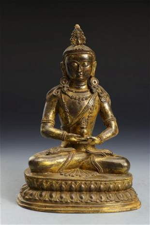 A GILT BRONZE FIGURE STATUE OF AMITAYUS BUDDHA