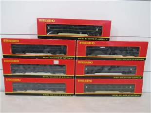 Powerline HO Passenger Set (7)
