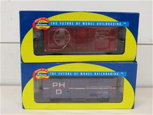 Athearn HO Scale Weathered Freight Cars (2)
