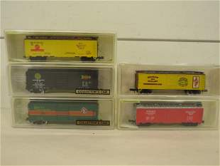 N Scale Model Power Freight Rail Road Cars (5)