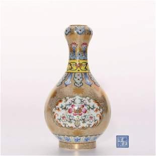 Falangcai Garlic Head Vase Yongzheng Period