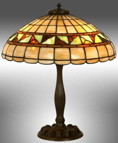 92: DUFFNER KIMBERLY LEADED STAINED GLASS LAMP ON BRONZ
