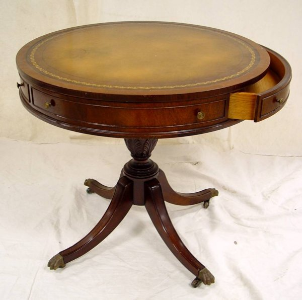 4: MAHOGANY DUNCAN PHYFE ROUND LAMP TABLE WITH TOOLED L - 2