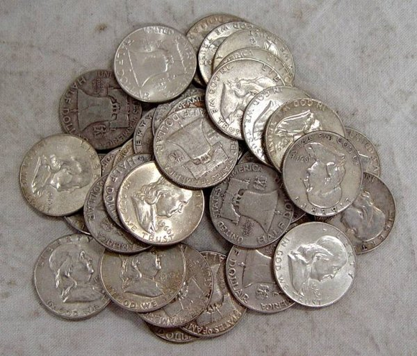 619: 33 FRANKLIN HALF DOLLARS. ALL DIFFERENT DATES 1948