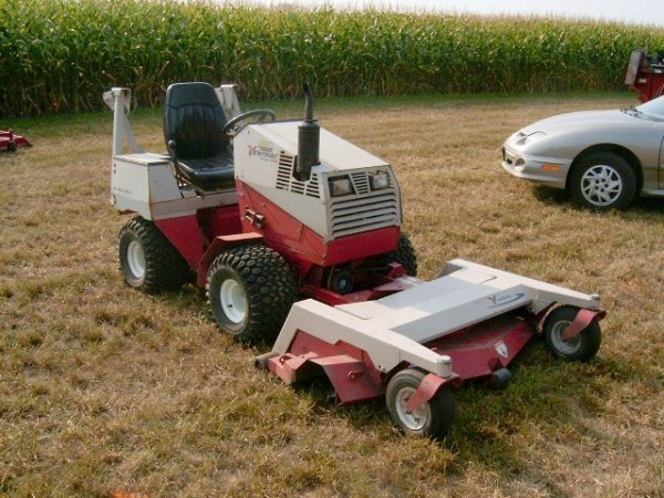 293: Ventrac 4000 4WD Front Deck Mower