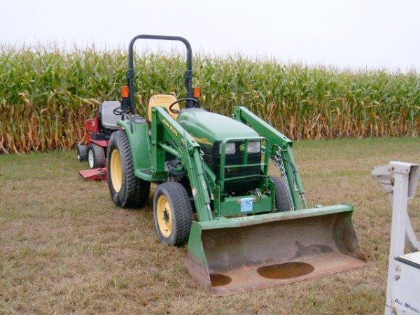 295: John Deere 4410 FWD Tractor