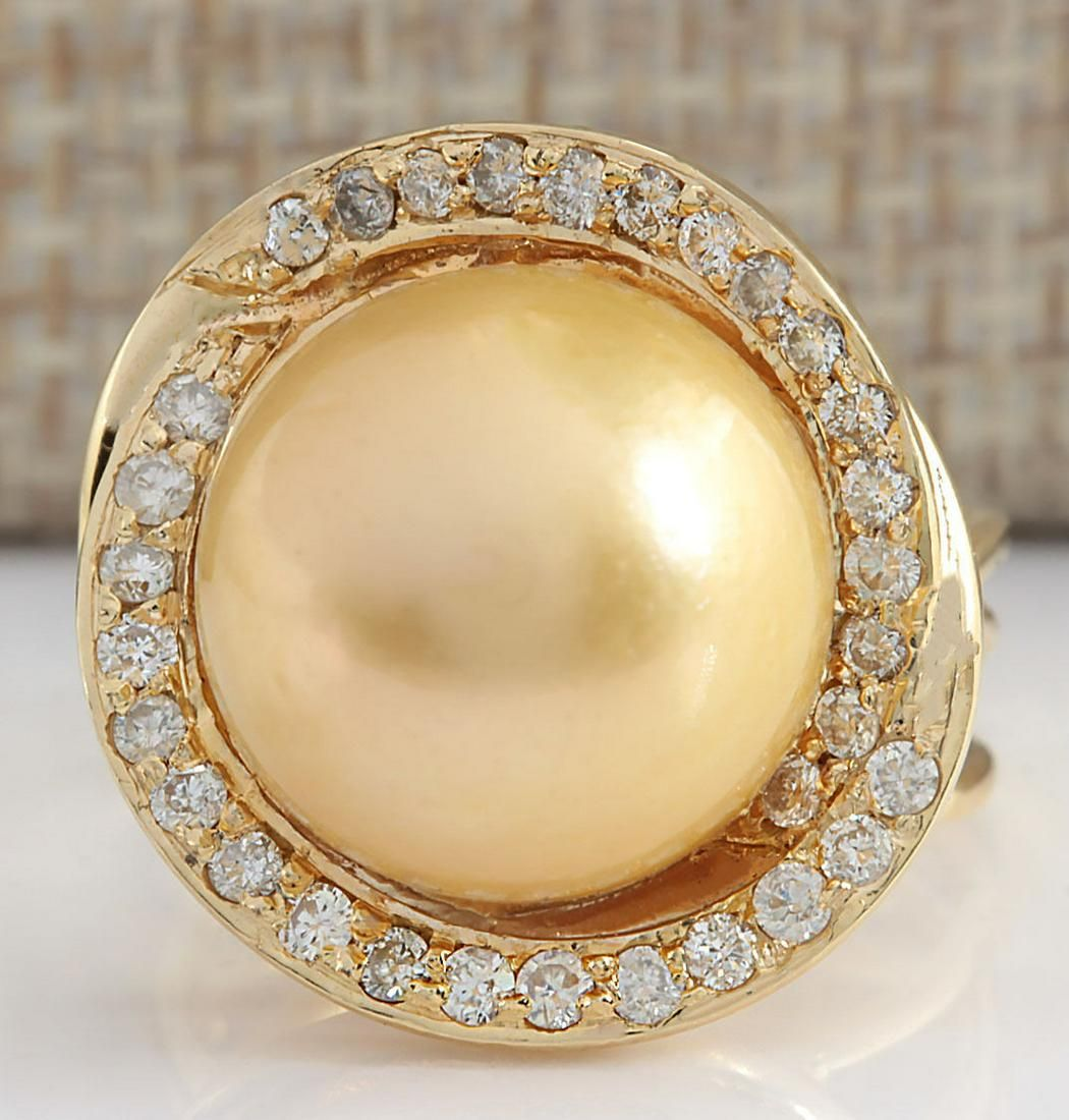 0.60 CTW Natural 13.70mm Gold South Sea Pearl Diamond