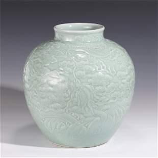 A CHINESE CELADON GLAZED PORCELAIN JAR