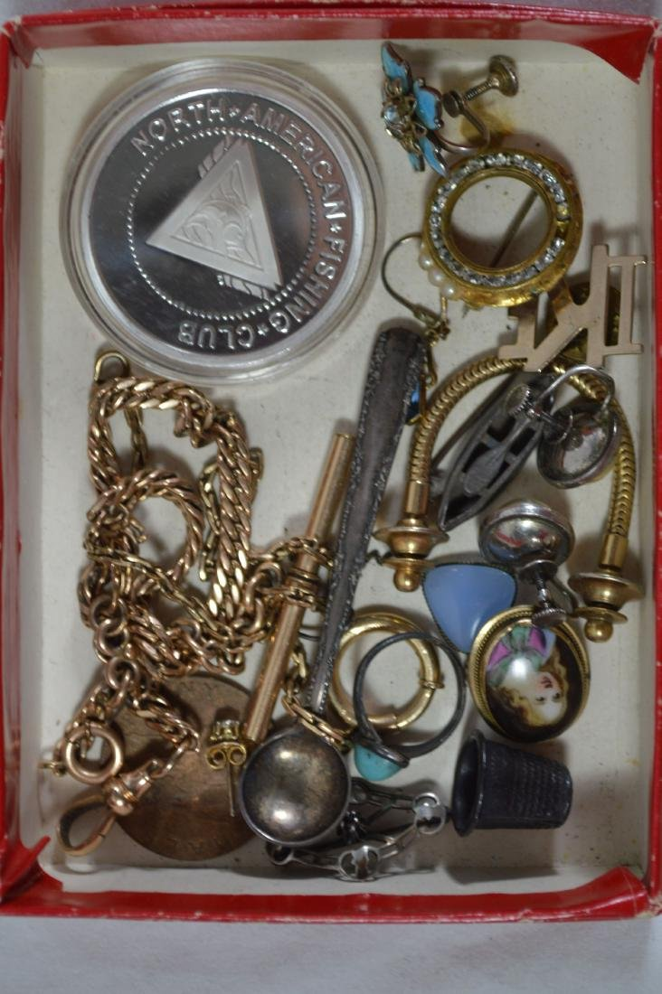 LOT OF GOLD, SILVER AND GOLD FILLED VINTAGE JEWELRY