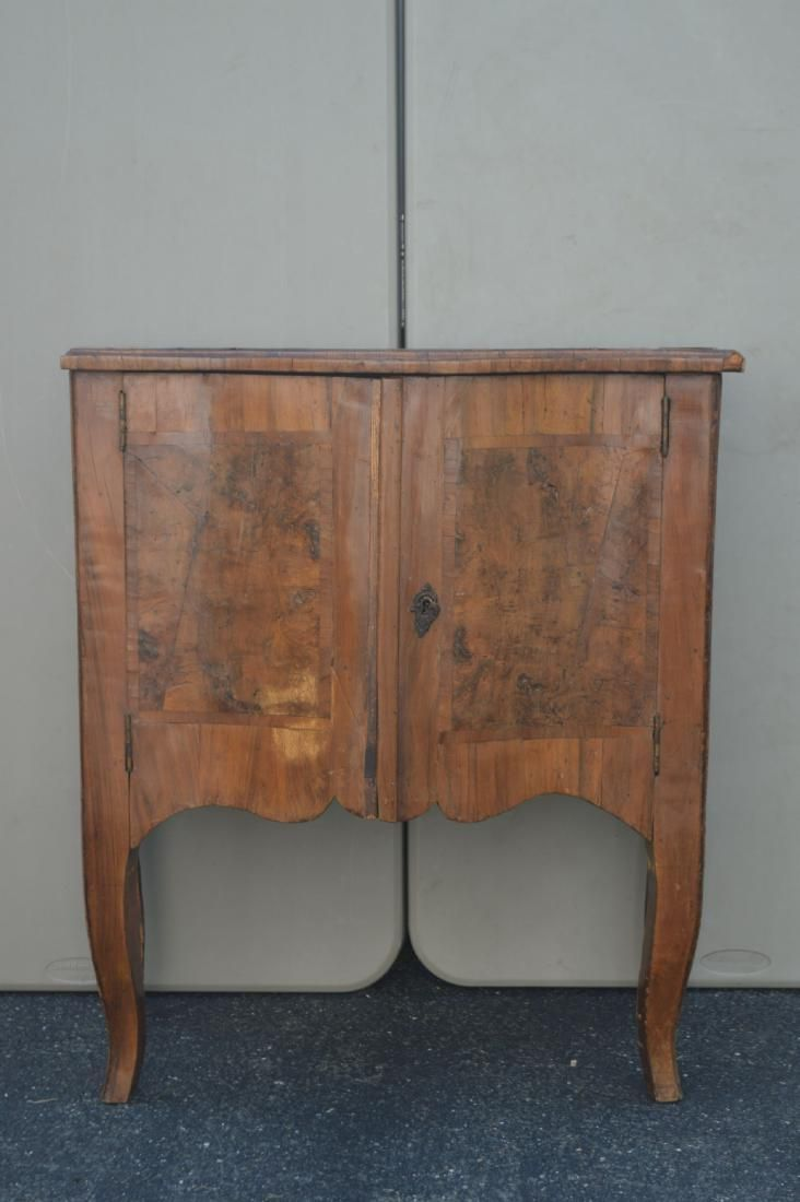 "FINE 18TH CENTURY FRUITWOOD VENEERED COMMODE. 29""T x"