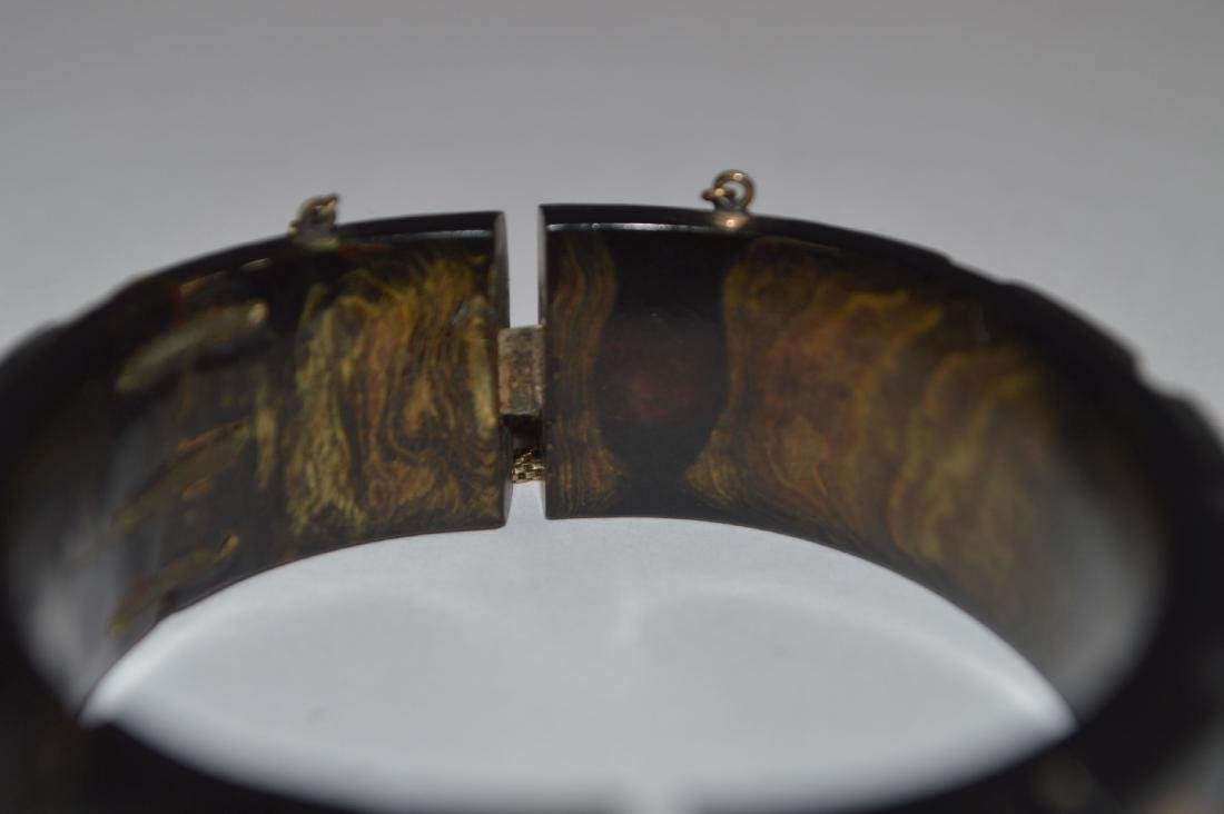 CARVED 19TH CENTURY TORTOISE SHELL AND GOLD BRACELET. - 2