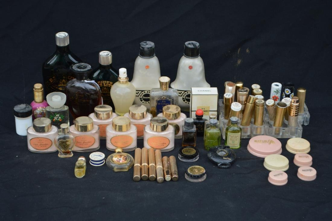 LARGE LOT OF PARTIALLY FILLED/EMPTY VINTAGE PERFUME,