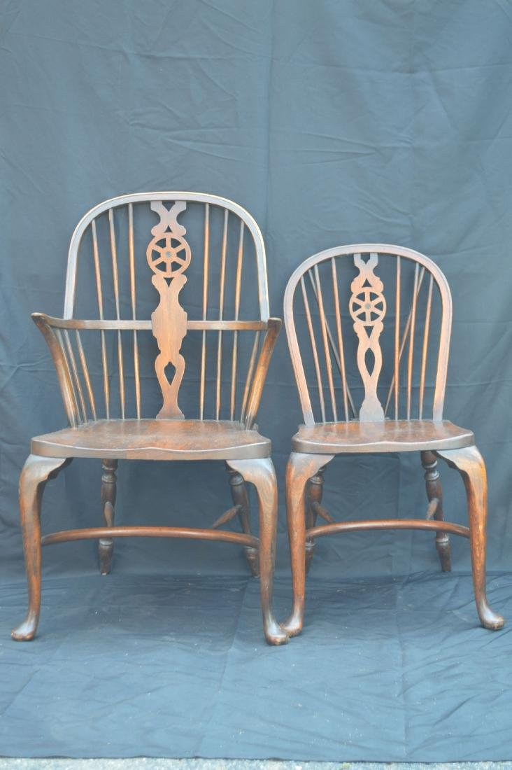 6 OAK QUEEN ANNE STYLE WINDSOR CHAIRS WITH WAGON WHEEL