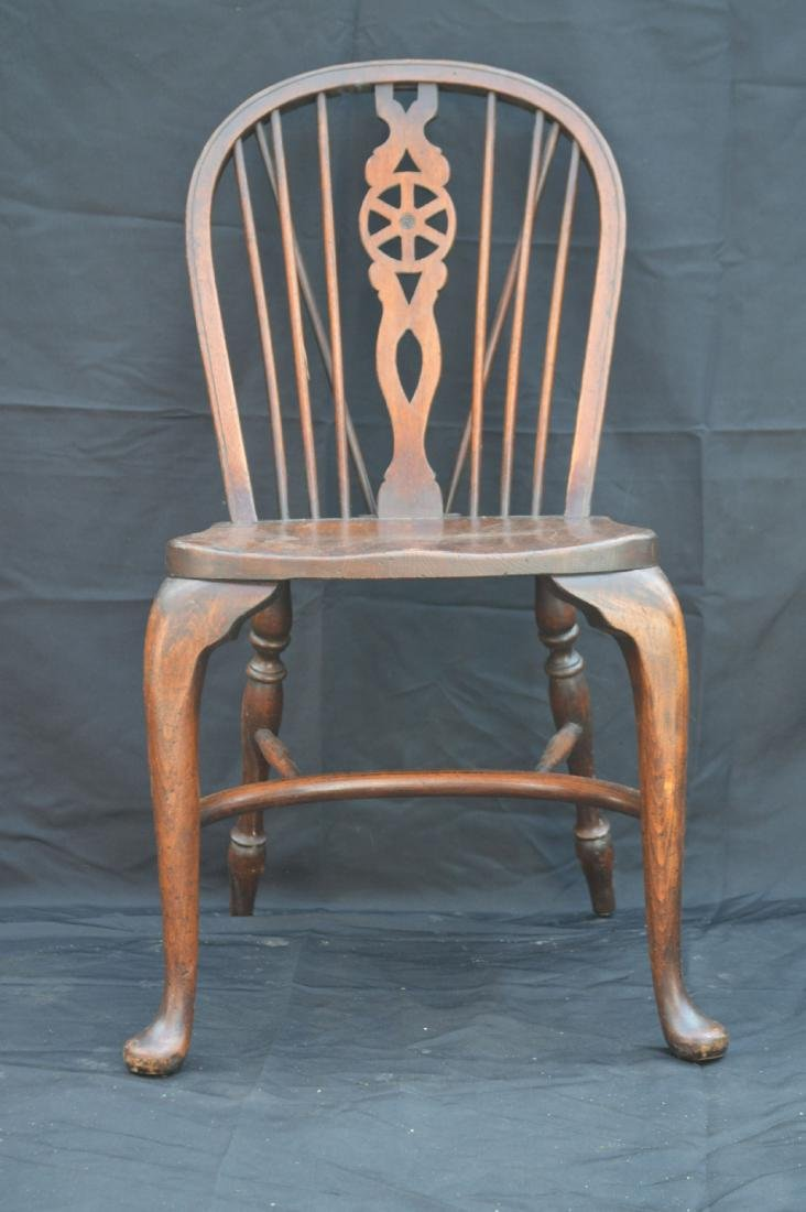 6 OAK QUEEN ANNE STYLE WINDSOR CHAIRS WITH WAGON WHEEL - 6