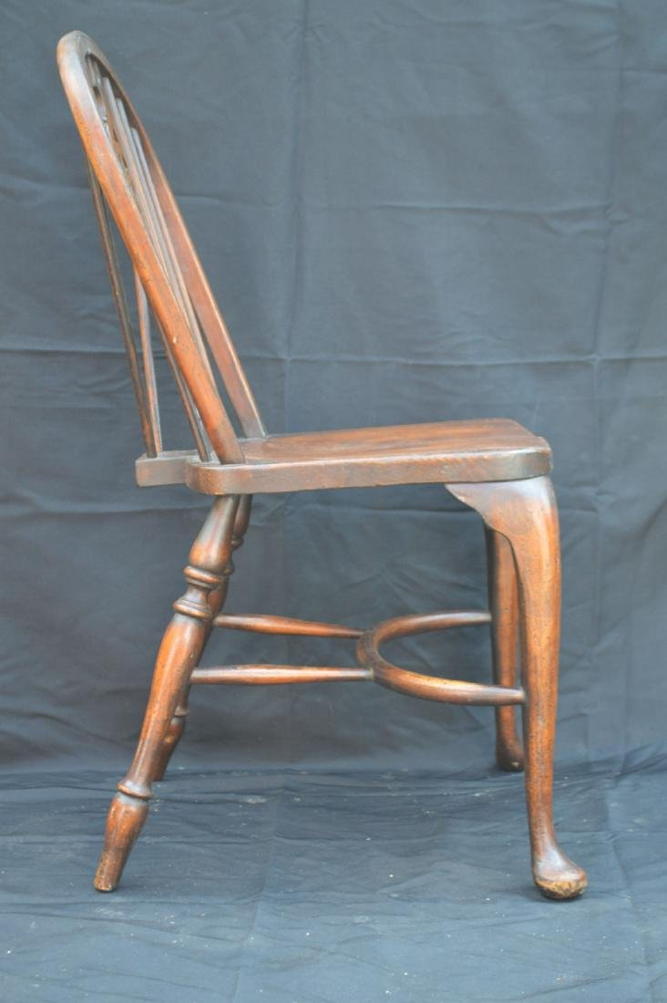 6 OAK QUEEN ANNE STYLE WINDSOR CHAIRS WITH WAGON WHEEL - 7