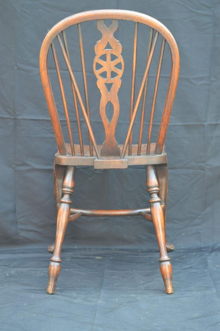 6 OAK QUEEN ANNE STYLE WINDSOR CHAIRS WITH WAGON WHEEL - 8