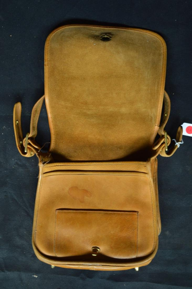 "VINTAGE 1970'S TAN LEATHER COACH SHOULDER BAG. 11"" x - 2"