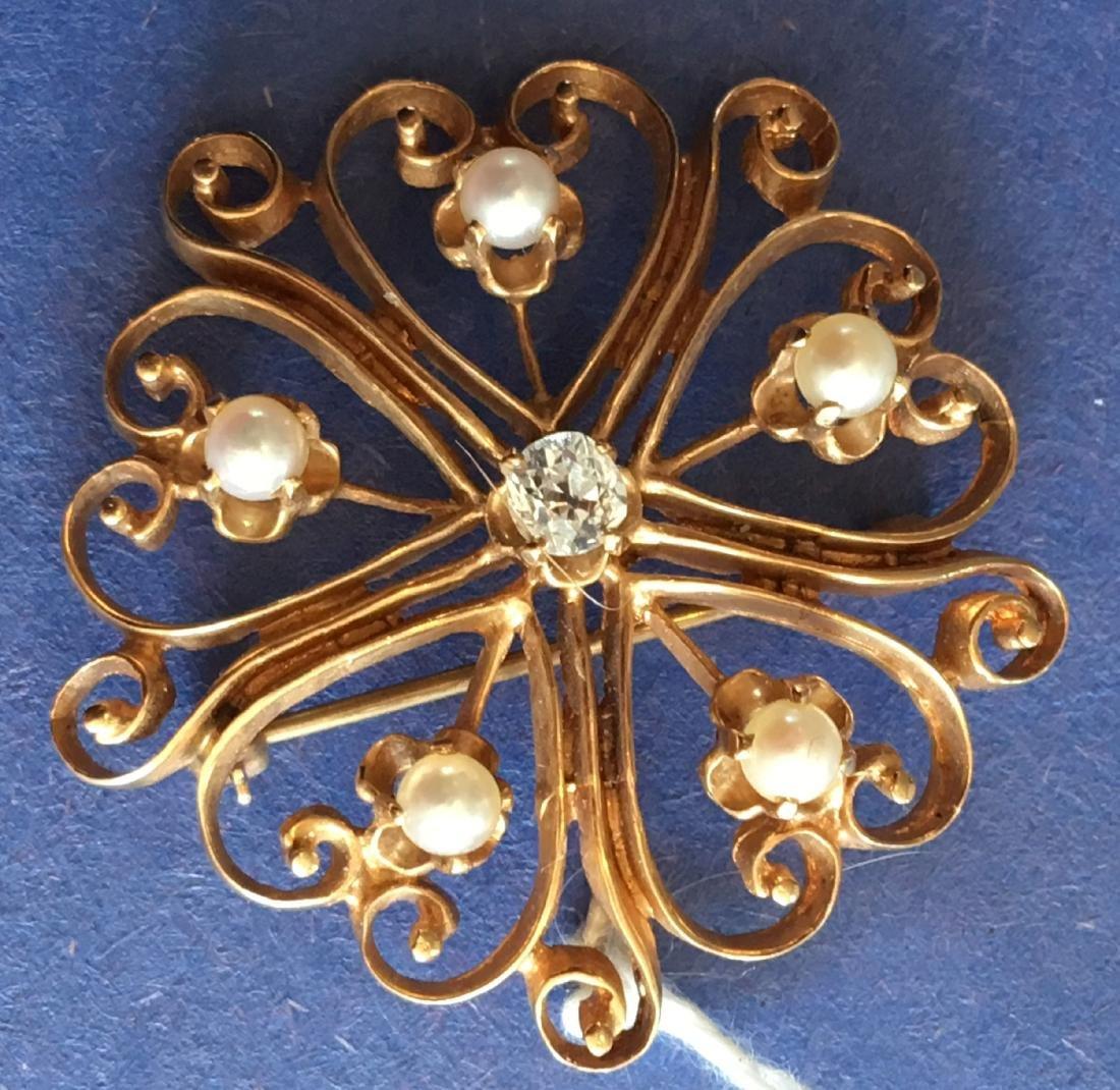 14K GOLD DIAMOND AND PEARL PIN . 8 GRAMS