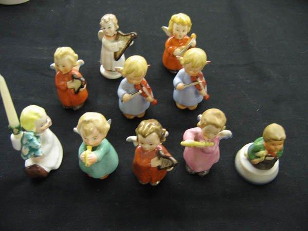 616116: GROUP OF 10 MINIATURE GOEBEL ANGELS