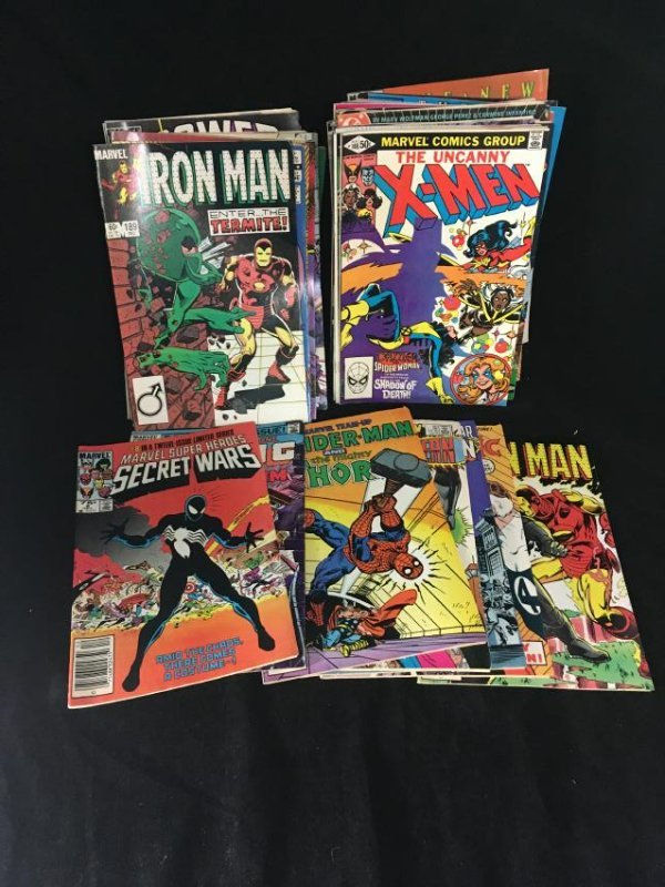 COLLECTION OF 52 MARVEL , DC, AND OTHER COMIC BOOKS