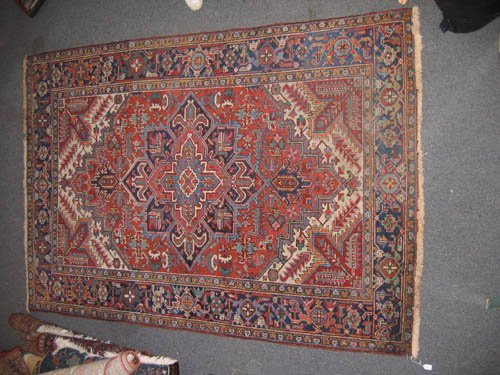 "929104: ROOM SIZED ORIENTAL CARPET ( 9'4""x 6'2"") OLDER"