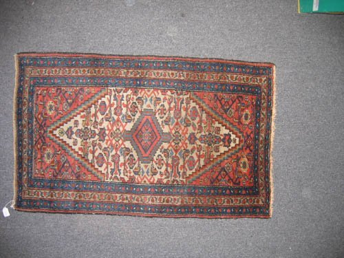 "929115: ANTIQUE PERSIAN PRAYER MAT (4' x2'5"")"
