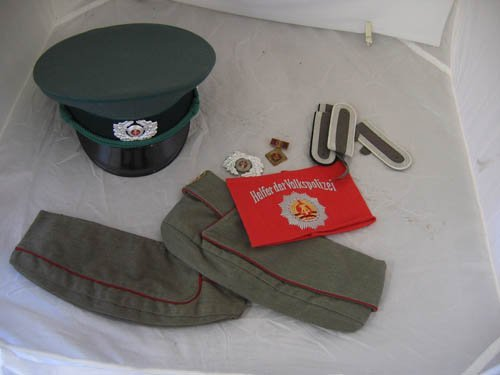 117106: EAST GERMANY MILITARY HATS (3), ARM BAND, INSIG