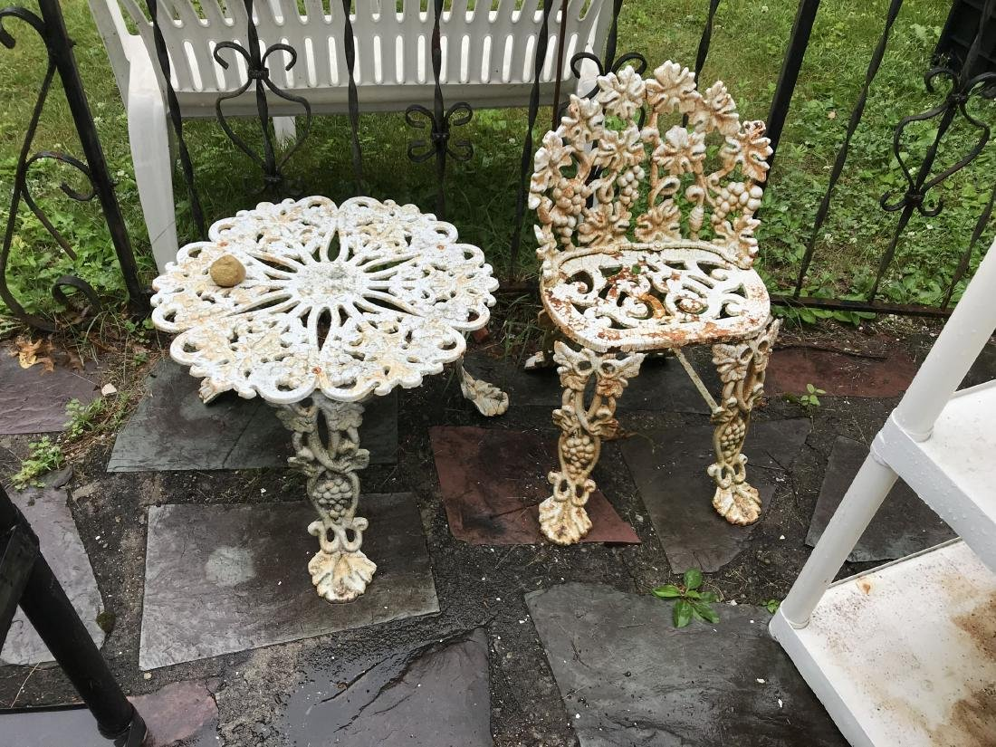VICTORIAN WROUGHT IRON 4 PIECE OUTDOOR PATIO SET