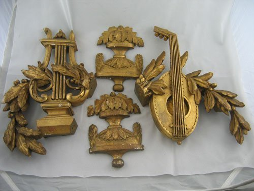 227103: 4 PIECES 18TH CENT. CURVED GILTWOOD DECORATION