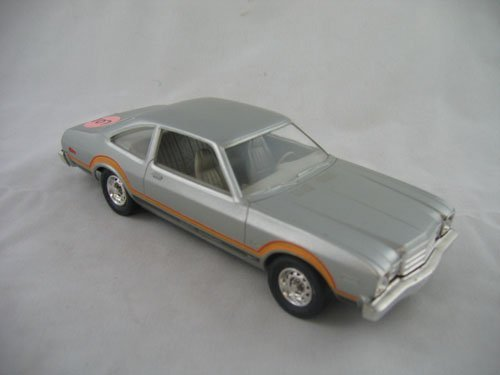 416107: DEALER PROMO 1977 PLYMOUTH VOLARE