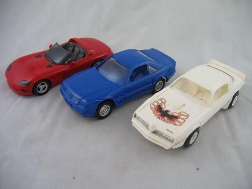 416113: 3 PLASTIC CAR MODELS