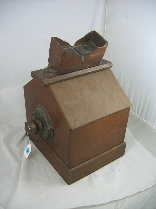 507110: 19th CENTURY TABLETOP STEREO VIEWER
