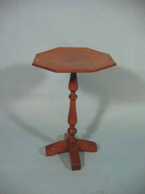 611259: EARLY 19TH CENTURY PINE X BASE CANDLESTAND
