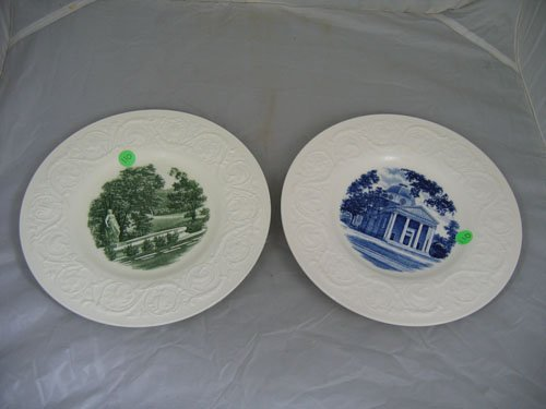 """920110: 2 WEDGEWOOD SMITH COLLEGE PLATES, """"SAGE HALL"""" A"""