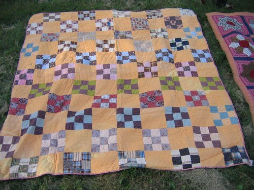1008118: 2 ANTIQUE QUILTS PATCH + DRESDEN PLATE