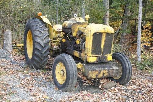 1108106: FORDSON DIESEL TRACTOR 9-62 YEAR UNKOWN